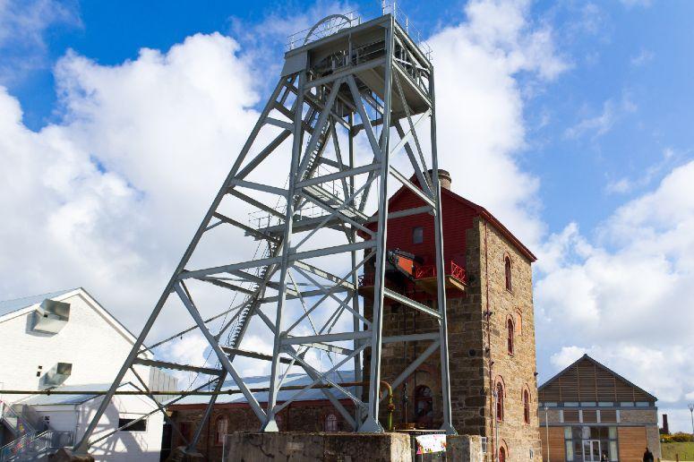 Cornish mine in Camborne web