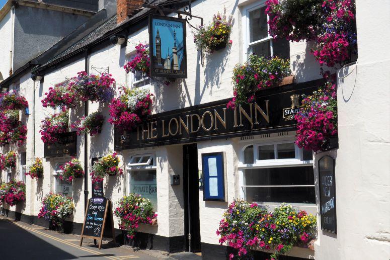 London Inn pub in Padstow